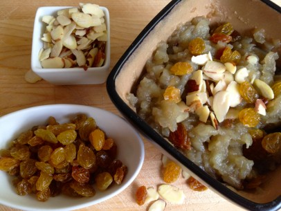 oven baked apples with almonds and golden raisins