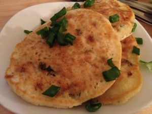 savory onion tiganites