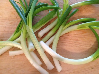 scallions/green onions, trimmed and ready to chop