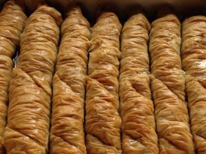 golden, flaky saragli